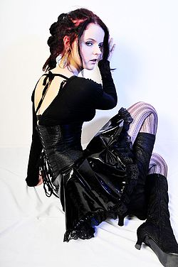 250px-Gothic_girl_nl.jpg