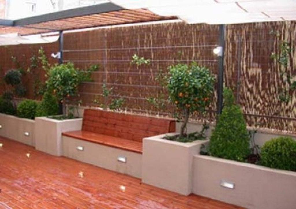 Ideas para hacer una jardinera de obra y qu plantar en - Poner chimenea en un piso ...