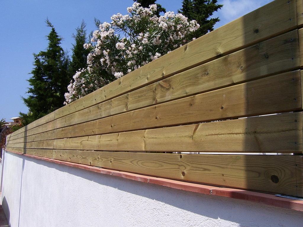 Reformando el jard n seto pantalla para ocultar casa y - Vallas para muros ...