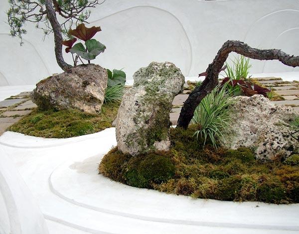 chic-japanese-garden.jpg
