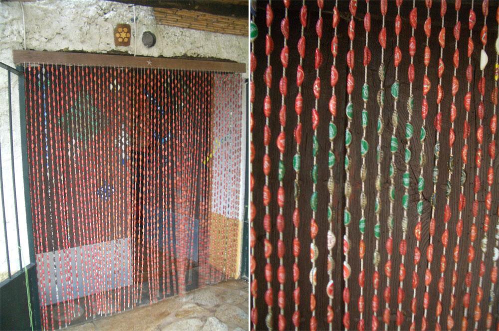 Cortina anti insectos hechas con vinilo uno mismo for Como reciclar una puerta de chapa