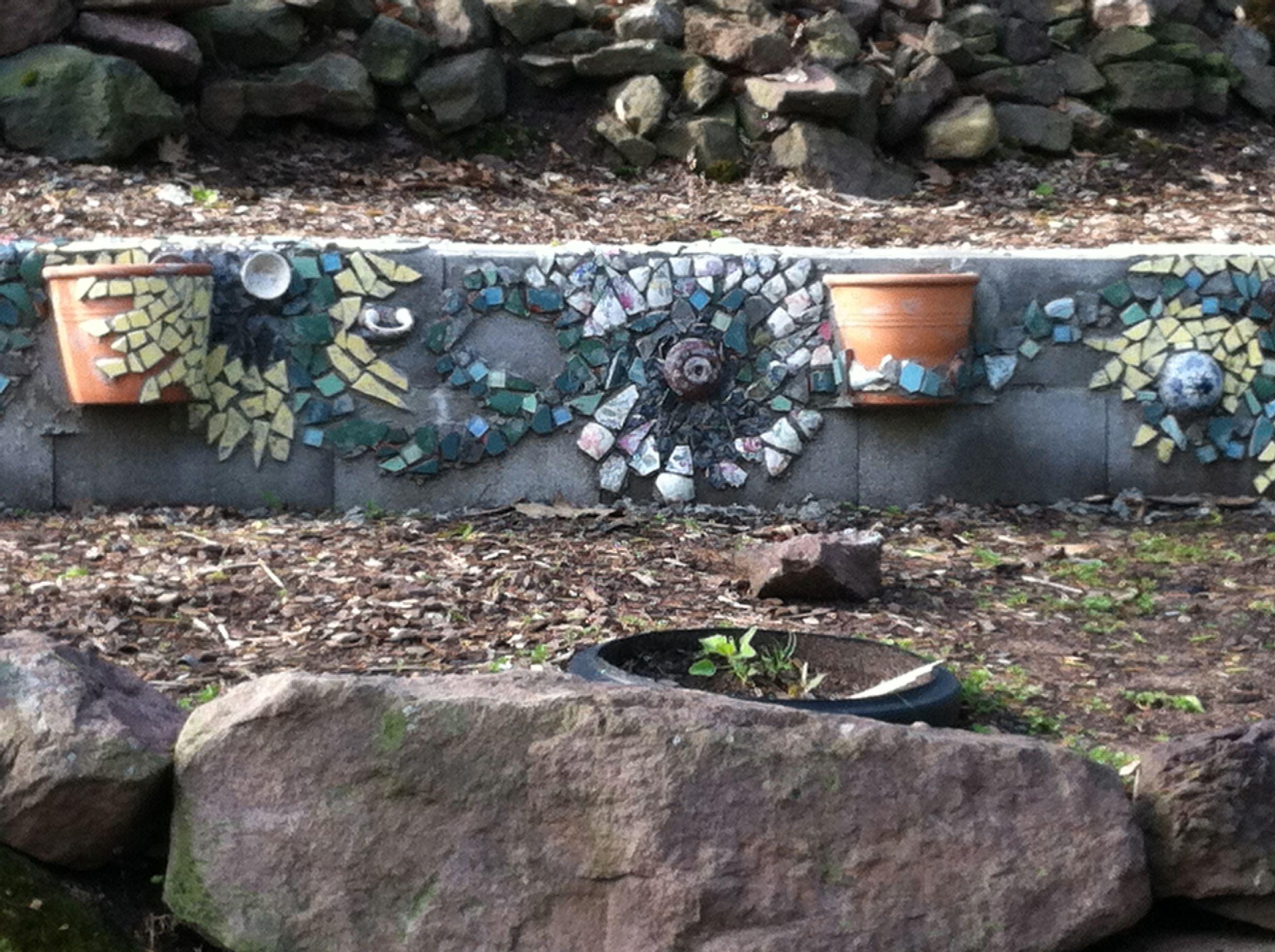 gardenwalldetail.jpg