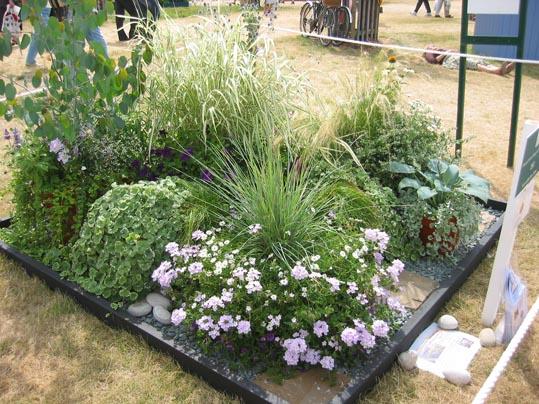 Ruta por inglaterra hampton court for Jardines de piedras de colores
