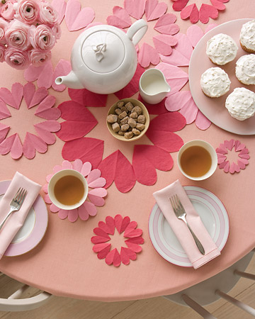 mesa-decorada-corazones.jpg