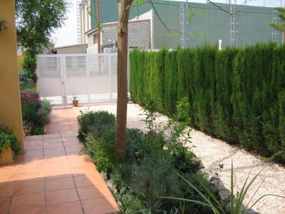 normal_jardin%20delantero%20017.jpg