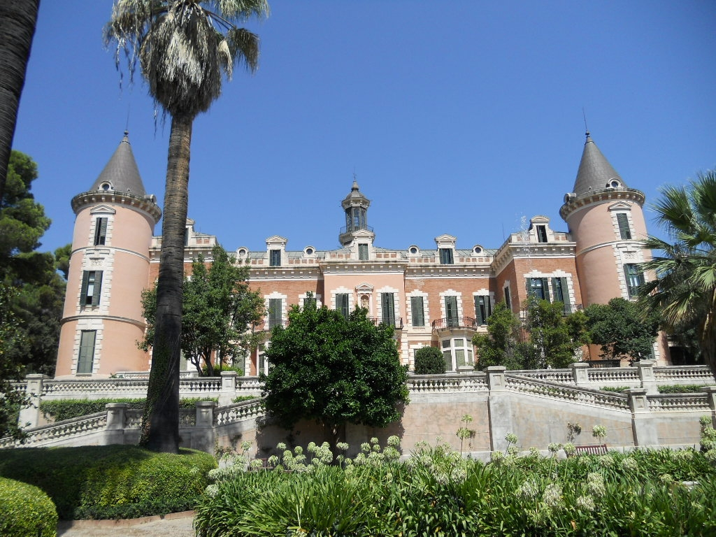 Palau_de_les_Heures_3_-_Barcelona_%28Catalonia%29-08019-2843.jpg