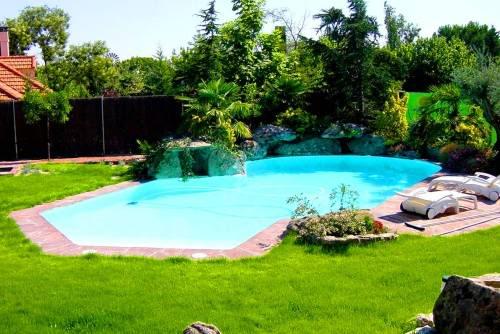 Dise o alrededor de piscinas for Piscinas rusticas fotos