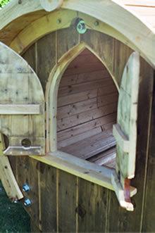 playhouse2_m.jpg