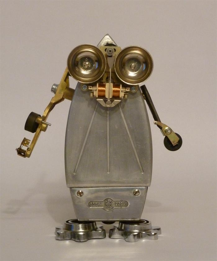 robot+plancha+antigua+reciclaje+reutilizacion+vintage+2.jpg