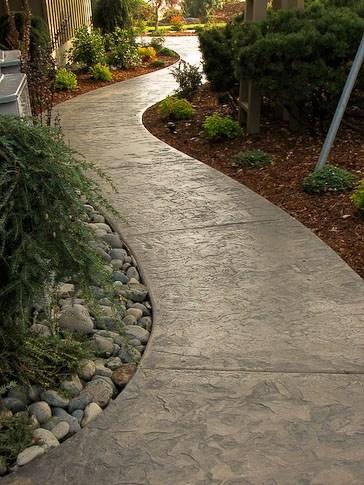 stamped-concrete-walkway-g2-outdoor-living_2189.jpg