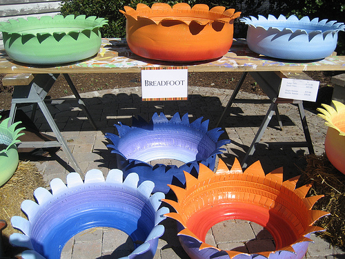 tire-planters-flower-pots.jpg
