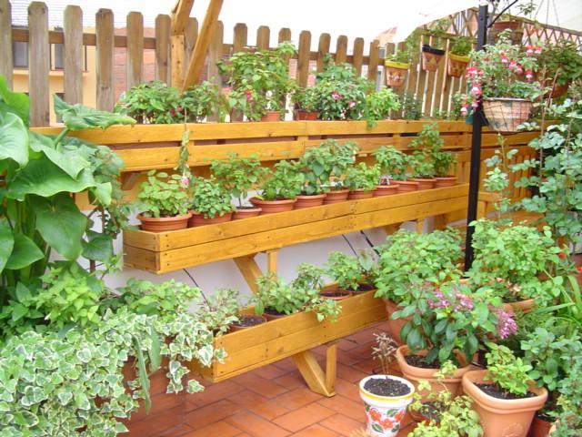Estante de madera para plantas - Imagenes de jardineras ...